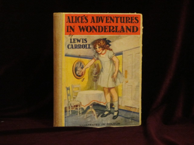ALICE'S ADVENTURES IN WONDERLAND. Lewis Carroll, Bessie Pease.