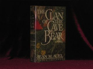 THE CLAN OF THE CAVE BEAR. A Novel. Earth's Children Series. Jean M. AUEL, SIGNED.
